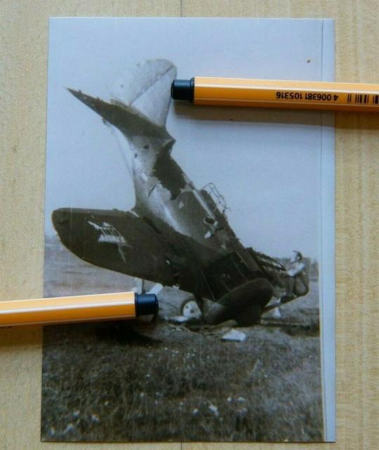 2204-Foto-Flugzeug-erbeutetes-zerst-rtes-Flugzeug-in-Ru-land