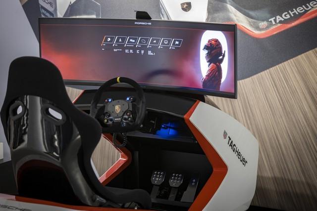 Porsche inaugure l'exposition « Porsche - Pionnier de la mobilité électrique» à Berlin  S20-3090-fine