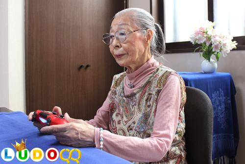Mulai Nge-Game di Usia 50 Tahun, Ketagihan hingga Usia 90 Tahun