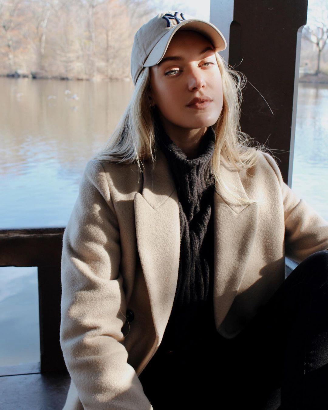Caroline-Lowe