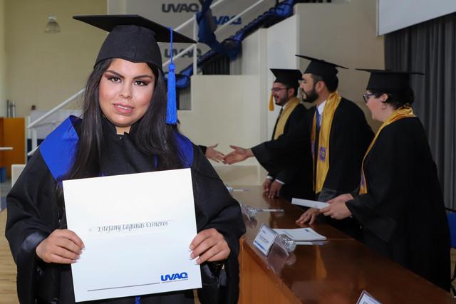 Graduacio-n-Gestio-n-Empresarial-37