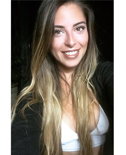Buen-mircoles-La-felicidad-es-suya-Crela-vvala-y-disfrtela-live-felicidad-enjoy-sonre-smiling
