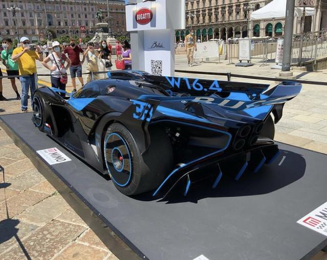 2020 - [Bugatti] Bolide concept 06-A8-EE73-895-E-452-B-B591-34704092-D3-BE
