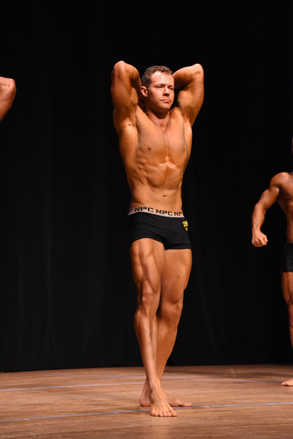 prejudging-abs-and-thighs