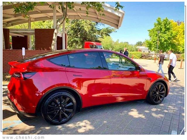 Tesla Model Y (2019) 60