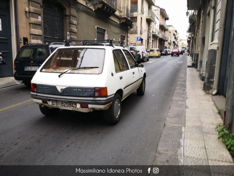 avvistamenti auto storiche - Pagina 40 Peugeot-205-GRD-1-8-60cv-88-CT825943-204-979-26-1-2018