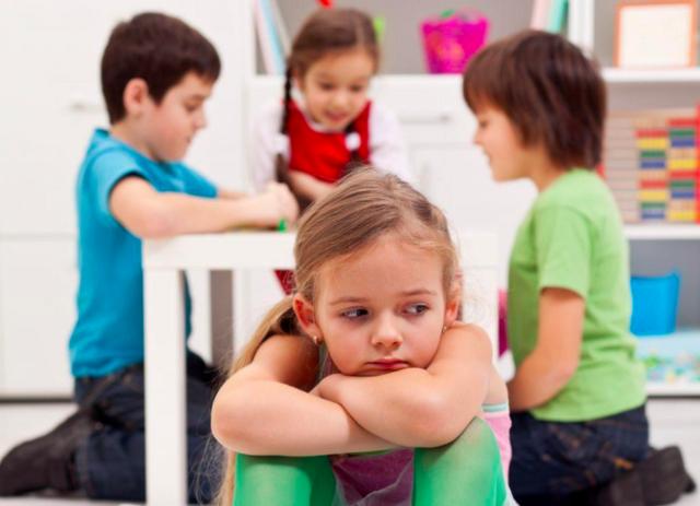Что делать, если ребенок в садике ни с кем не дружит