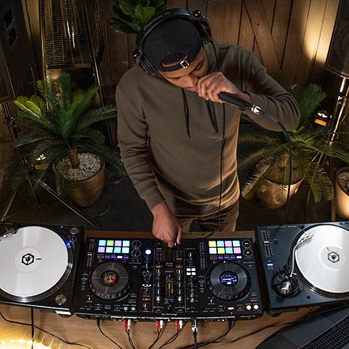 Descubre-El-Pioneer-DJ-DDJ-800-Controlador-Para-Rekordbox-DJ-1