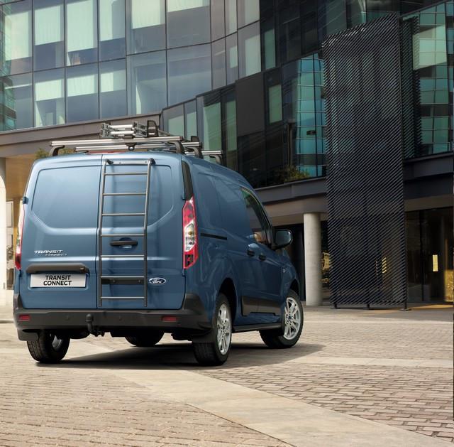 Plus efficient et désormais disponible en version 1 tonne : le Ford Transit Connect, meilleur atout des professionnels ? Hp-accessories-outdoors