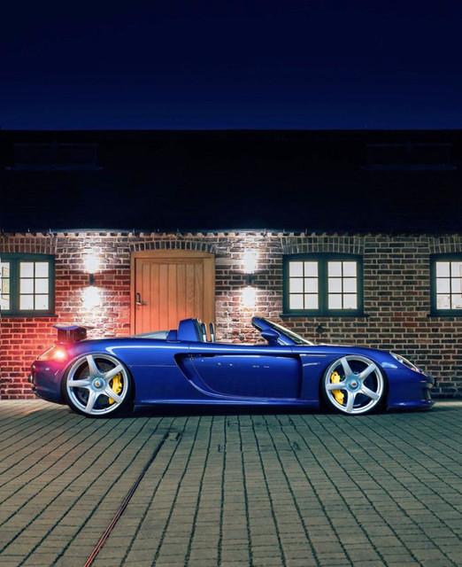 Dr-Knauf-Slammed-Altered-Porsche-Carrera-GT-Blue-2021
