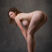 susann-shamelessly-showcases-an-amazing-curvy-body-06-w800