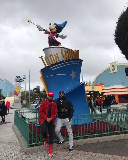 Vu à Disneyland Paris : célébrités, VIP et people - Page 42 JB
