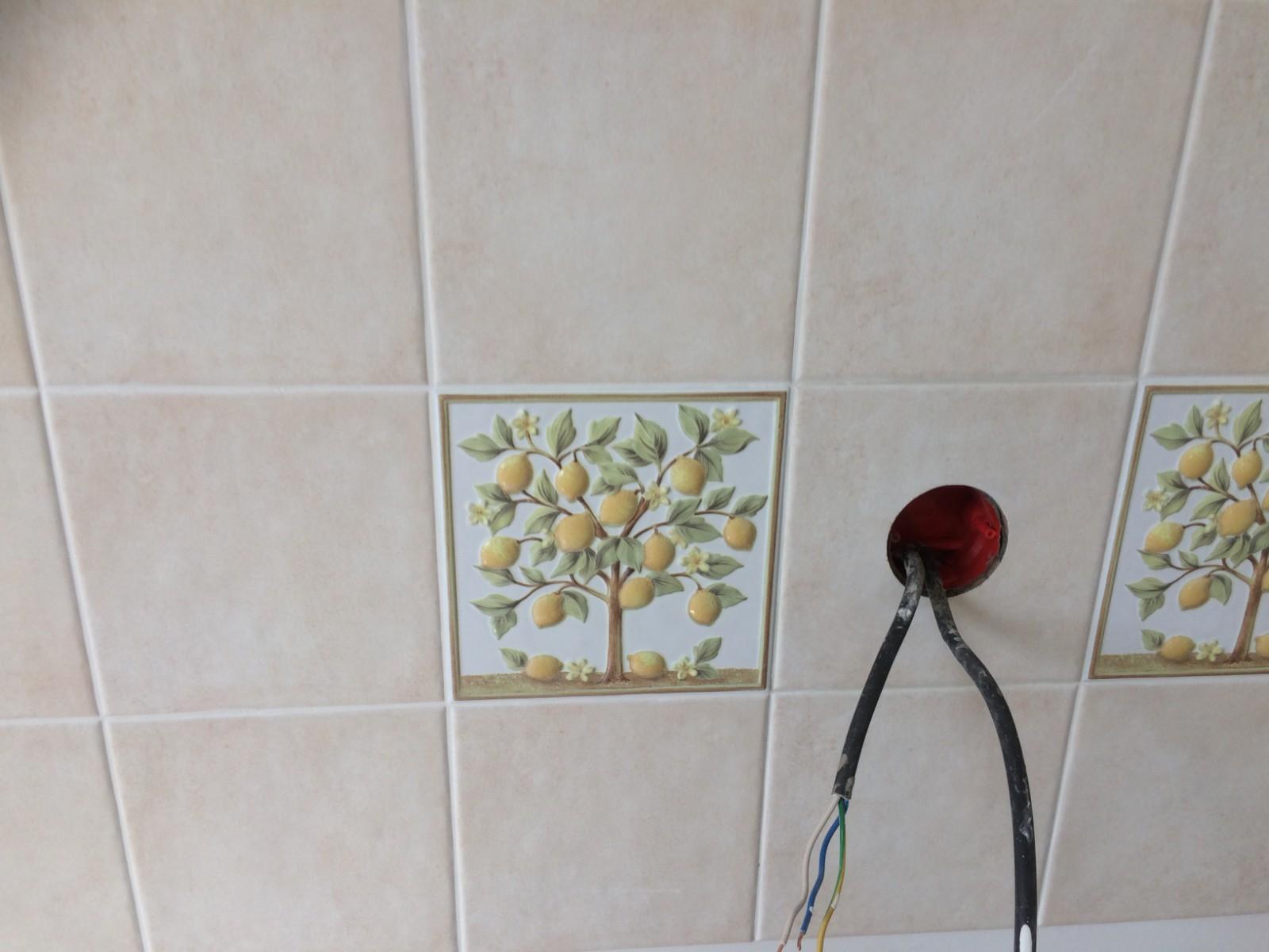 Kitchen-Tiles-Close-Up