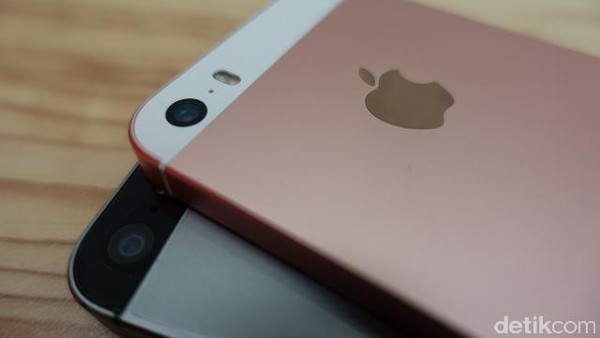 Hacker Peretas Kamera Iphone Dapat Hadiah Rp 1,2 miliar