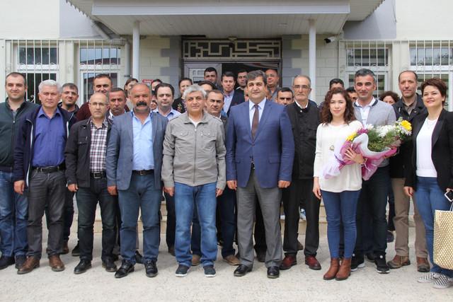 Gelin-Karde-Olalm-Projesi-kapsamnda-Van-n-Geva-ilesinden-15-kiilik-ifti-grubu-Antalya-ya-geldi-Serve