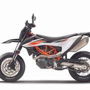 2019-KTM-690-SMC-R-supermoto-08
