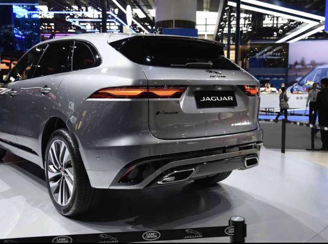 2015 - [Jaguar] F-Pace - Page 16 7-C75418-C-03-CA-4-E5-A-B93-E-2-C9-AE644-FFA2
