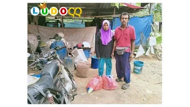 Tinggal di Tenda Kecil Ayah Ini Bisa Besarkan 3 Anak Hingga Sarjana