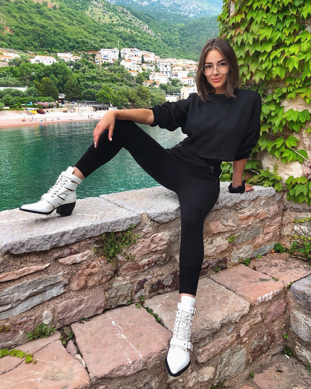 Olivia-Culpo-Wallpapers-Insta-Fit-Bio-1