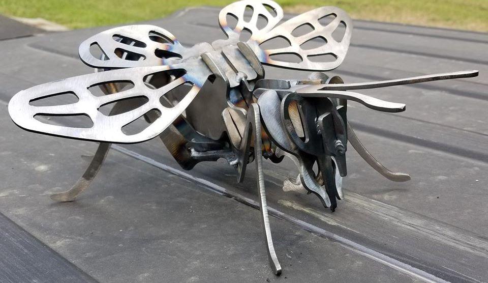 3D PLASMA CUT STEEL BEE GARDEN ART