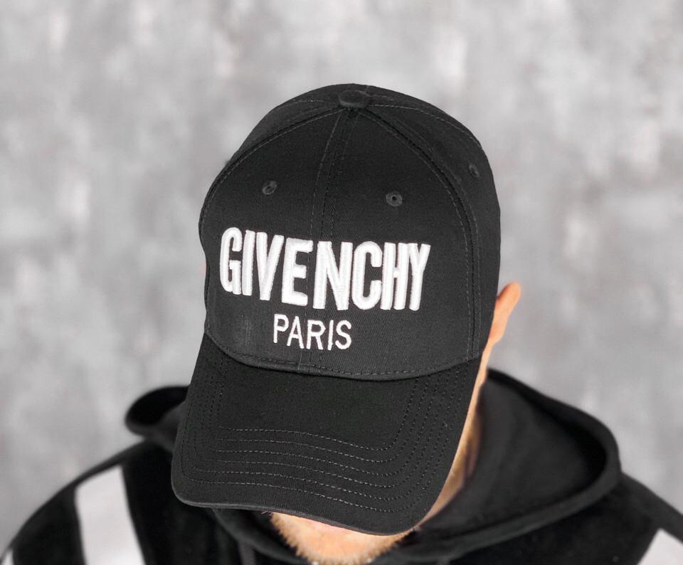 Бейсболка Givenchy