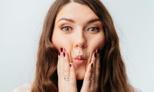 Enggak Perlu Operasi Plastik, Ini Tips Dapatkan Wajah Tirus