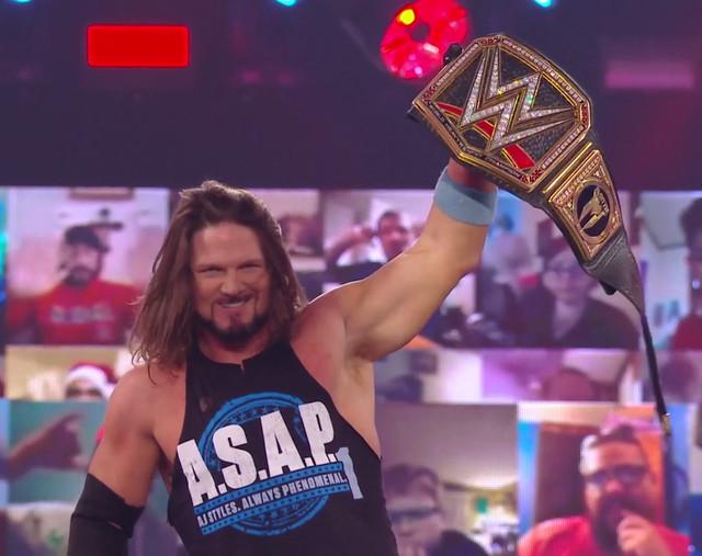 AJ Styles derriba a Drew McIntyre y descuelga en Campeonato de WWE