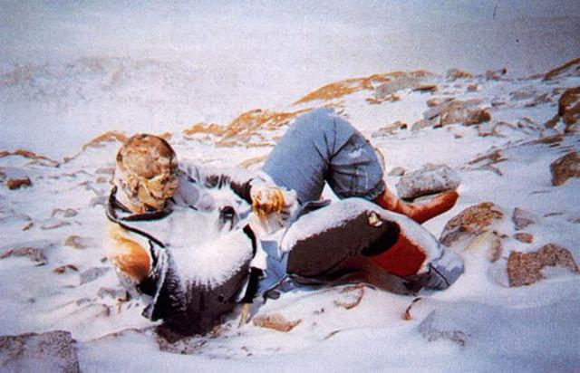 Jasad Para Pendaki Gunung Everest Terlihat Akibat Glester yang Mencair
