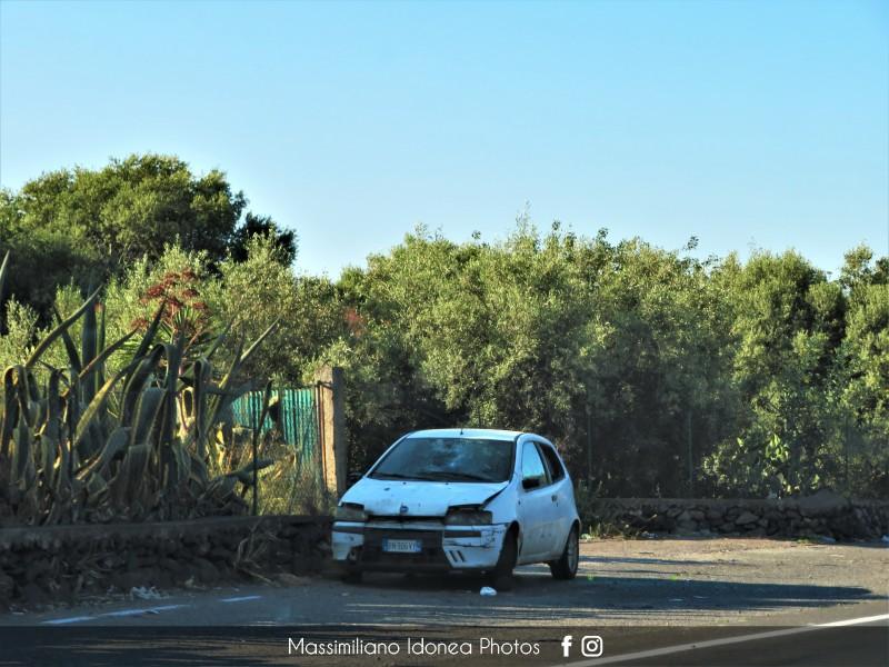 Auto Abbandonate - Pagina 14 Fiat-Punto-JTD-1-9-80cv-00-BN986-VY