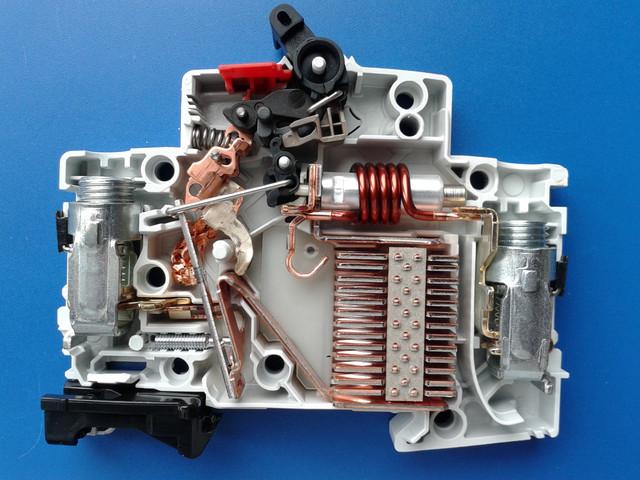 ABB SZ200.jpg