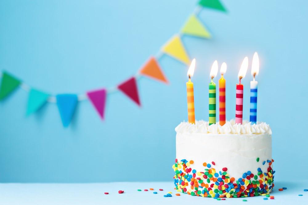 9 Ways to Surprise Your Best Friend on Their Birthday