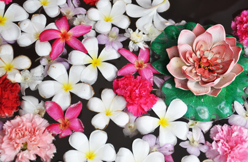 Making homemade perfume needn't be difficult. This post breaks down ways to make your own from flower petals or essential oils. Click to learn more.