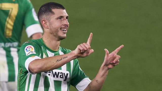 Real-Betis-v-Cadiz-CF-La-Liga-Santander-8ac5bd6fe6bd17f9289e82d897c477f0