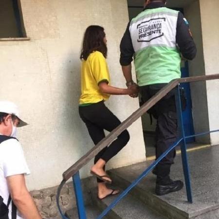 Modelo brasileira desaparece nos EUA e é encontrada desorientada em favela do Rio um ano depois 2