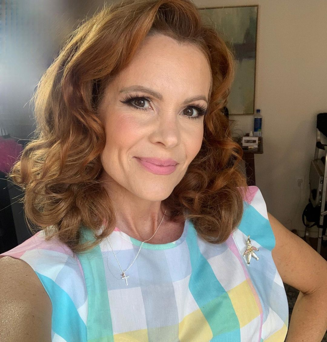 Robyn-Lively-2