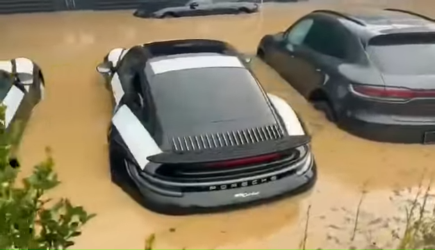 Brand-New-Porsches-Under-Water-In-German-Dealership-After-Disastrous-Rains-0-30-screenshot