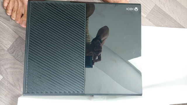 [VDS] XBOX 360 FAT avec Manettes 25 Euros Envoi Inclus  DSC-0191