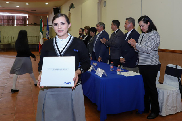 Graduacio-n-Quiroga2019-65