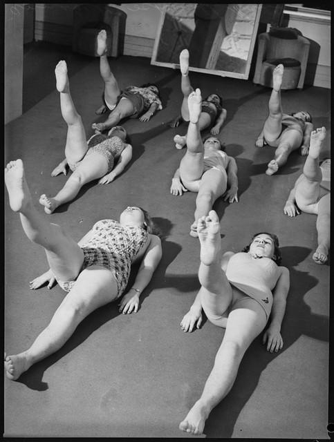 School-of-mannequins-Australia-1940-5