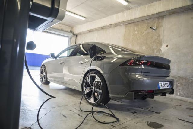 2018- [Peugeot] 508 II [R82/R83] 282-A06-BF-FA3-A-4-D24-B00-E-B9-DB0-D671764