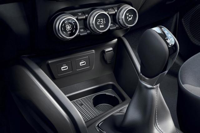 2021 - [Dacia] Duster restylé - Page 4 3-C2-B8775-0541-46-D2-B160-517040-DA5-F18