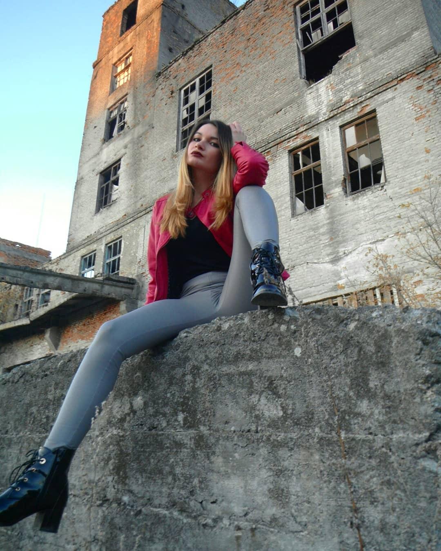 Olga-Madych-Wallpapers-Insta-Fit-Bio-9