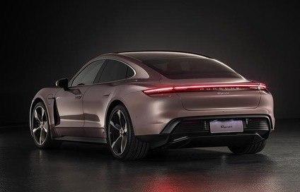 Porsche Taycan (2019) 14