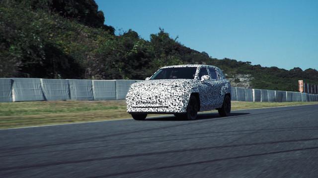 2021 - [Lexus] SUV électrique  0-DD3-BE47-D94-B-482-F-86-CC-8197632-EA746