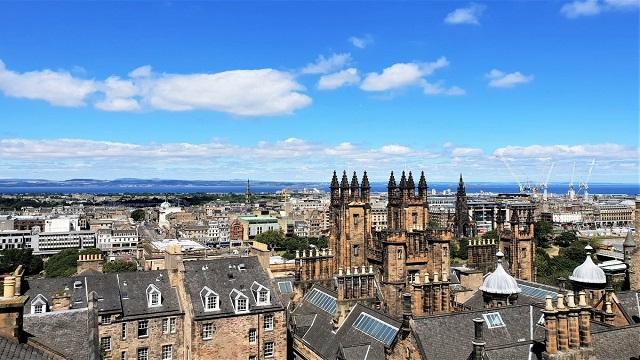 24 hours in Edinburgh Travel Guide