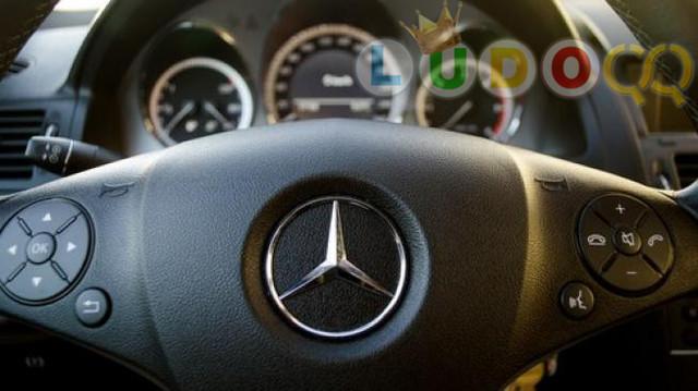 Mercedes-Benz Jawab Kekhawatiran Atas Airbag Penumpang Belakang