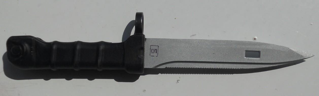 Les Baïonnettes de Kalashnikov. - Page 2 6