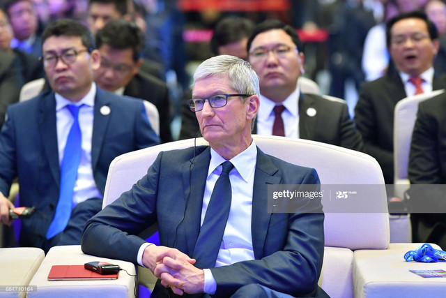 Apple-CEO-Tim-Cook-attends-the-opening-ceremony-of-the-4th-World-Internet-Conference-in-Wuzhen-in-Ch.jpg
