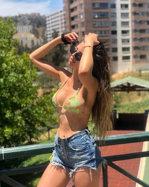 Un-poco-de-vitamina-D-2019-enero-sol-playa-valparaiso-summer-bikini-happiness-picoftheday-instagram-