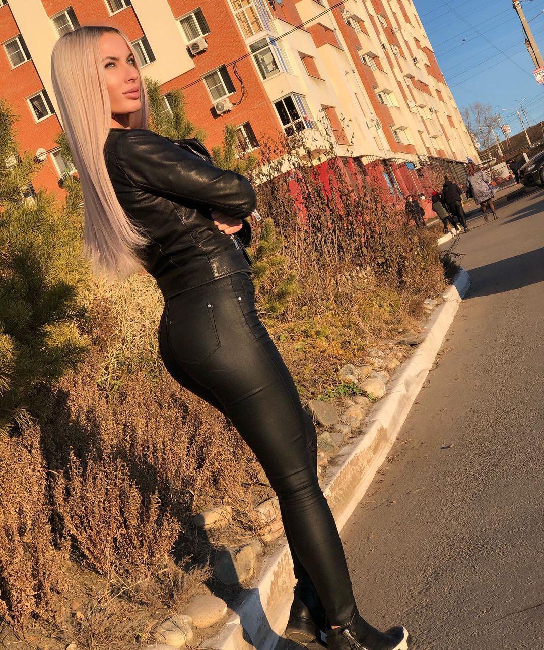 Evgeniya-Alexandrovich-Wallpapers-Insta-Fit-Bio-8